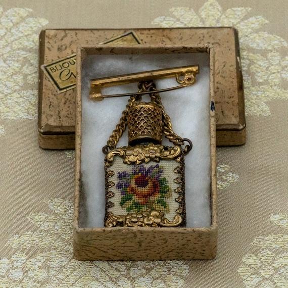 a681 Vintage Scent Bottle on a Brooch