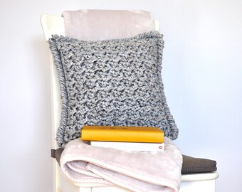 Marshmallow • Cushion • Crochet Chunky Knit • Colour: EARL GREY