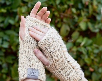 Pine Ridge • Fingerless Mittens • Chunky Knit • Colour: OATMEAL