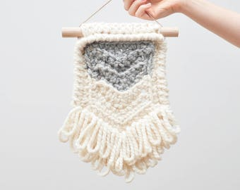 Chevron • Wall Hanging (SMALL) • Crochet Chunky Knit • Colour: EARLGREY + VANILLA