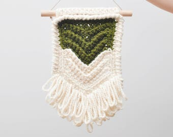 Chevron • Wall Hanging (MEDIUM) • Crochet Chunky Knit • Colour: OLIVE + VANILLA