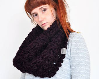 Cloud • Cowl • Crochet Chunky Knit • Colour: BLACKBERRY