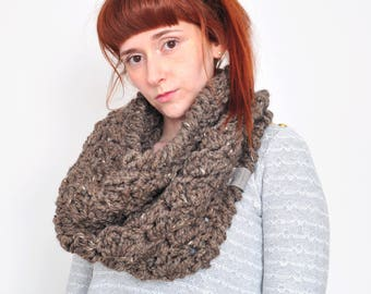 Cloud • Cowl • Crochet Chunky Knit • Colour: COCOA