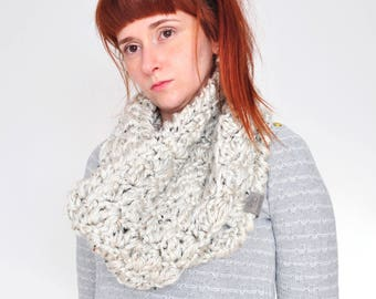 Cloud • Cowl • Crochet Chunky Knit • Colour: COCONUT