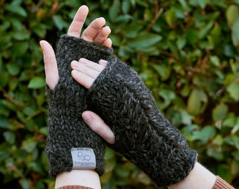 Pine Ridge • Fingerless Mittens • Chunky Knit • Colour: CHARCOAL