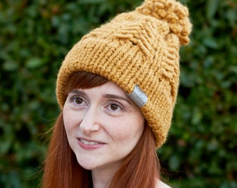 Pine Ridge • Beanie • Chunky Knit • Colour: BUTTERSCOTCH