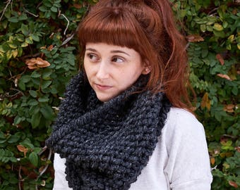 Pebble • Cowl • Crochet Chunky Knit • Colour: CHARCOAL