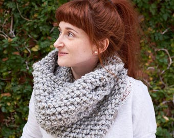 Pebble • Cowl • Crochet Chunky Knit • Colour: EARL GREY