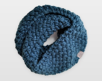 Nested Herringbone • Infinity Scarf • Chunky Knit • Colour: JUNIPER BERRY