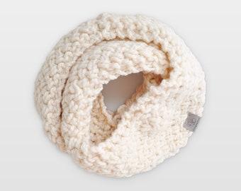 Nested Herringbone • Infinity Scarf • Chunky Knit • Colour: VANILLA