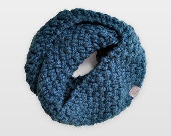Nested Herringbone • Infinity Scarf • Chunky Knit • Colour: JUNIPER BERRY