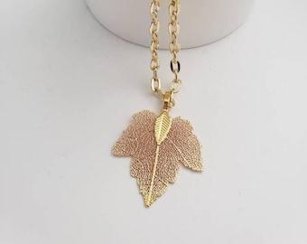 Maple Leaf Detailed Metallic Necklace