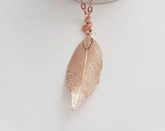Large Leaf Detailed Metallic Dangle Necklace