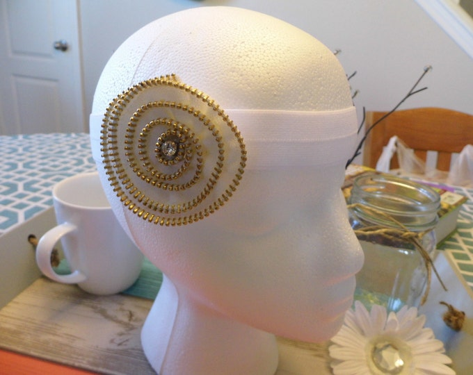 Retro Headband, Spiral Zippered Swirl White Flower Classic Hair Accessory