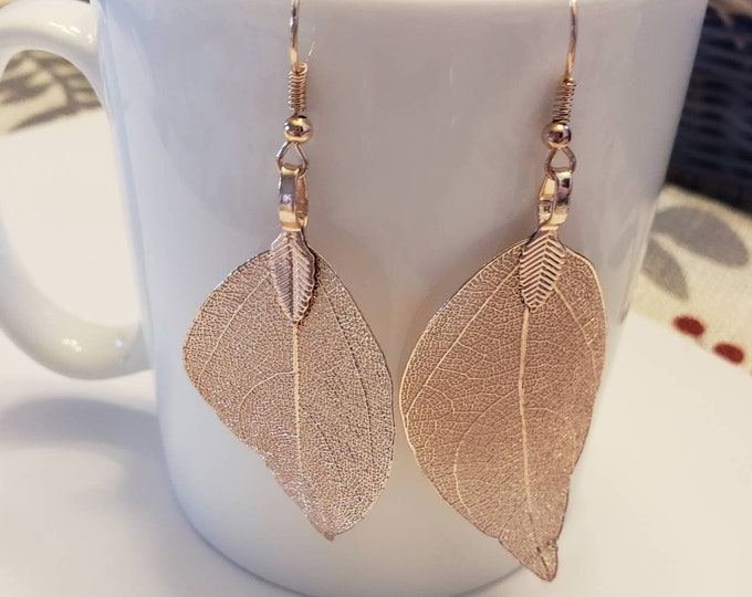 Large Leaf Detailed Metallic Dangle Earrings