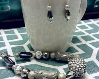 Silvertone Chunky Beaded Bracelet and Earring Set