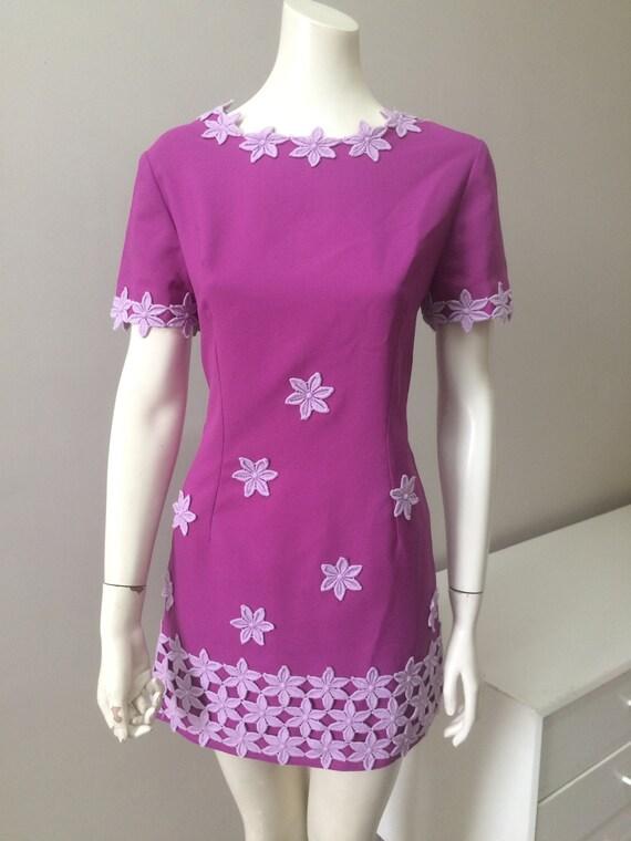 Original Vintage 60s Dress Mini Dress Daisy Flower