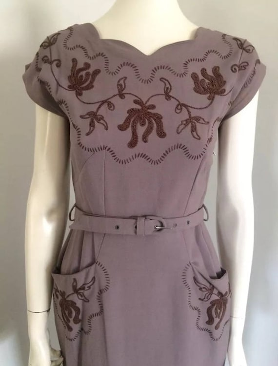 Original Vintage 40s Embroidered Swing Dress , Wig