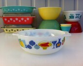 Pyrex JAJ 39 Fiesta 39 round casserole Cute English Pyrex serving mixing bowl with colourful, Modernist produce and wine pattern