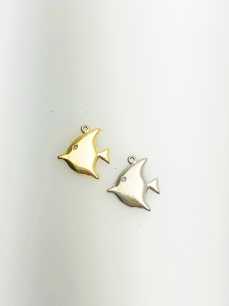 L-11 14K Solid Gold Fish Charm w Ring 12.0x10.9mm Made in USA