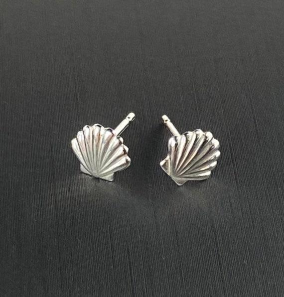 Sterling silver sea shell earring stud, SKU#595-5