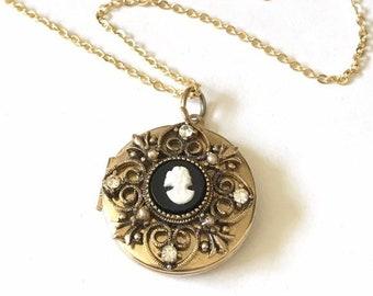 Women Locket Necklace, Vintage Gold Locket, Cameo Locket Necklace for Photo, Keepsake Jewelry, Upcycled Jewelry, Vintage Jewelry for Women