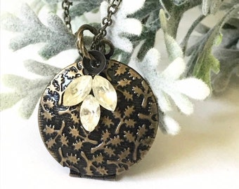 Locket Necklace with Charm, Leaf Locket, Memorial Locket, Memory Jewelry, Meaningful Jewelry for Woman, Mourning Gift for Bereavement