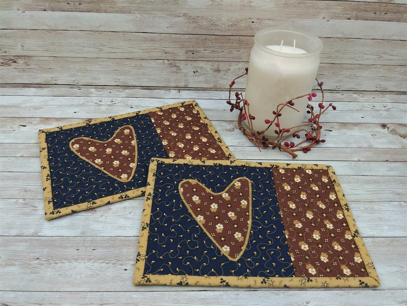 Snack Gift Basket Ideas Quilted Coasters Quilted Mug Rug Set Desk Mat Accessories Rustic Home Decorations Heart Applique Design #912