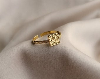 Medieval style open engraved ring, bathed in 24k gold or palladium, made by hand in Paris, France
