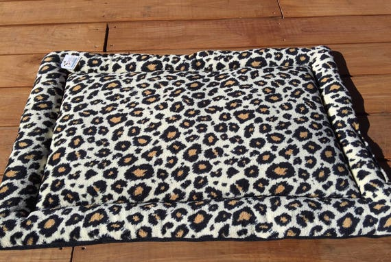 Crate Pad for Dogs, Dog Mom Gift, Pet Travel Bed, Big Puppy Bedding, Kennel Pad, Cheetah Dog Bed, Gifts for Cat Lovers, Fits 24x36 Crate