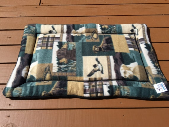 Dog Crate Pad, Roll Up Dog Bed, Dog Training Pad, Kennel Liner, Medium Pet Bedding, Labrador Fabric, Fits 24x36 Crate, Washable