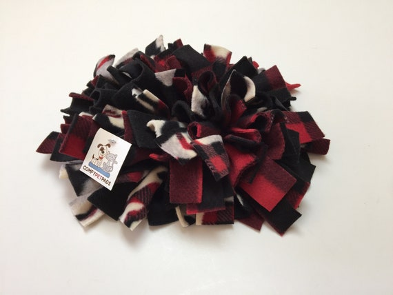 Snuffle Mat, Pig Enrichment Toy, Nose Work Mat, Guinea Pig Toy, Dog Puzzle, Rooting Rug, Finished Size 12x10, Washable
