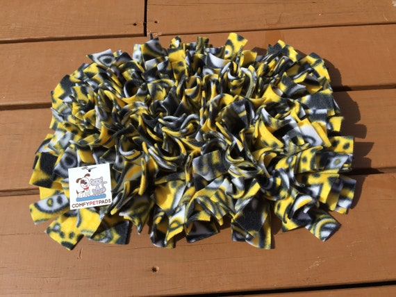 Nose Work Mat, Rooting Rug, Pig Enrichment Toy, Yellow Snuffle Mat, Dog Puzzle, Sniffle Toy, Finished Size is 16x11