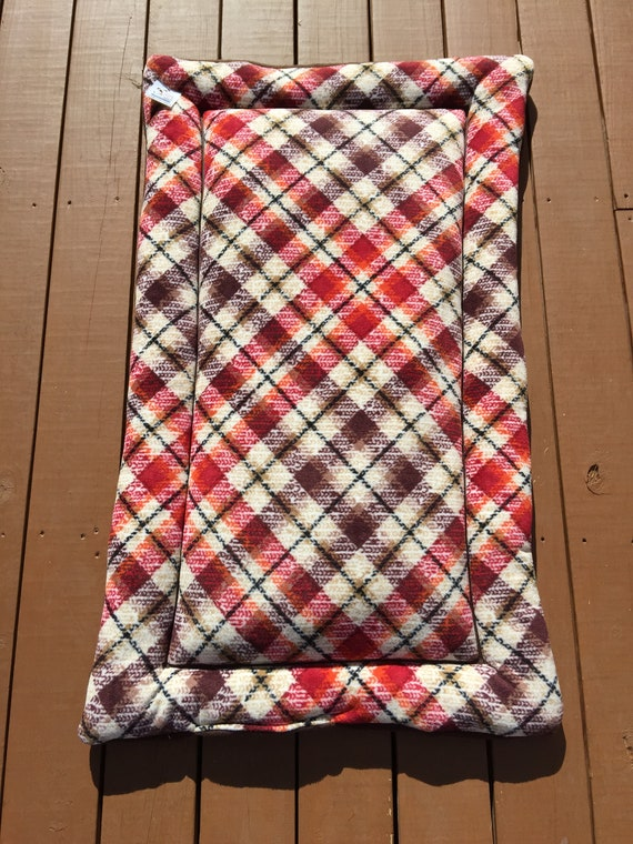 XL Plaid Dog Crate Pad with Black Retrievers, Fits a 30x48 Kennel