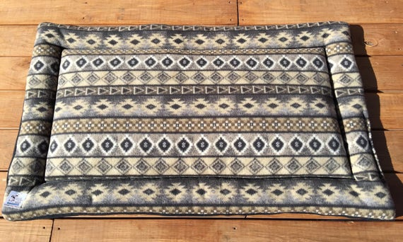 Southwestern Dog Bed, Big Puppy Bedding, Cabin Dog Bed, Woodland Pet Bed, Dog Bed Large, XL Dog Bed, Kennel Bed, Dog Crate Mat, 30x48