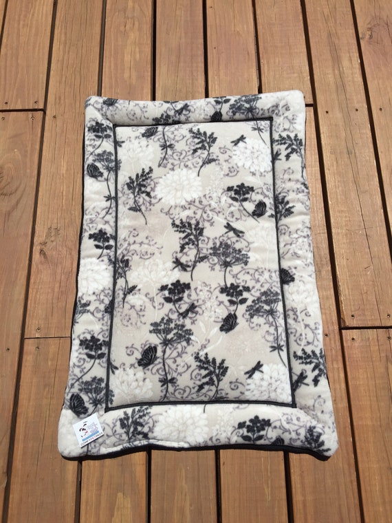 Floral Dog Bed, Cat Mat, Puppy Pad, Dog Crate Pad, Medium Pet Bedding, Travel Crate Pad, Travel Bed, Beds for Cats, Fits 24x36 Crate