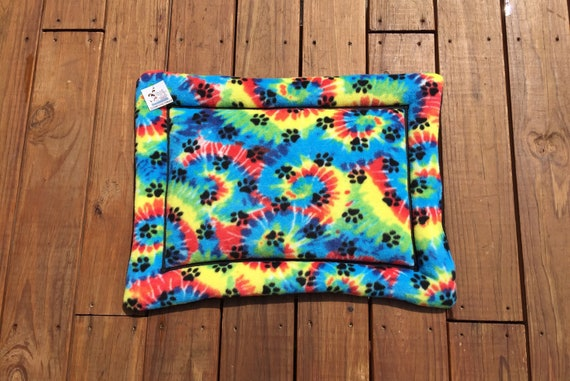 Pet Pride Gifts, Dog Bed with Paw Prints, Crate Bedding, Size 19x25