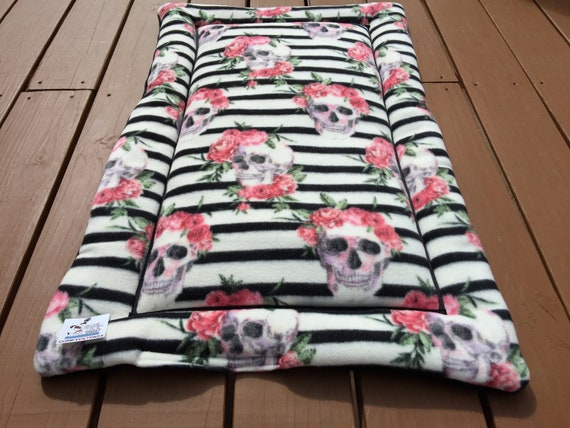 Dog Bed with Skulls, Crate Bedding, Cat Couch Cover, Pet Stroller Pad, Puppy Bedding, Kennel Mat, Comfy Pet Bed, Fits 24x36 Crate