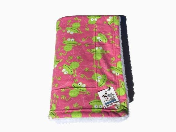Pink Blanket, Little Girl Gift, Green Frog, Froggy Stuff, Puppy Bedding, Dog Kennel Cover, Dog Blanket, Made in Colorado, Stroller Blanket