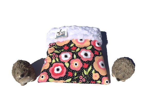 """Snuggle Sack with Daisies - Minky Fur - Pouch for Hedgehogs - Cage Accessories - 3 Layers - Washable - Size 9""""x9"""""""