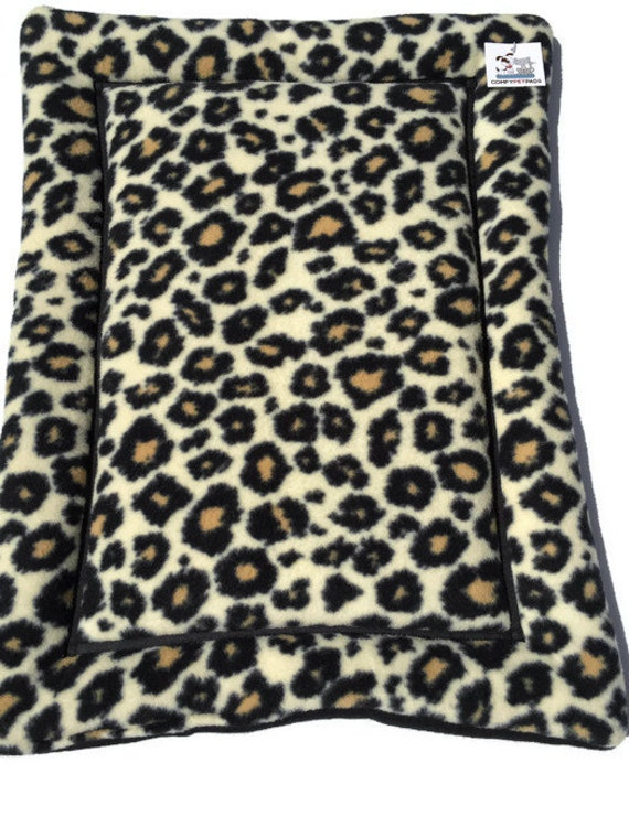 Cheetah Fleece Cat Bed Mat, Comfy Pet Bed, Washable and Easy to Clean, 19x25