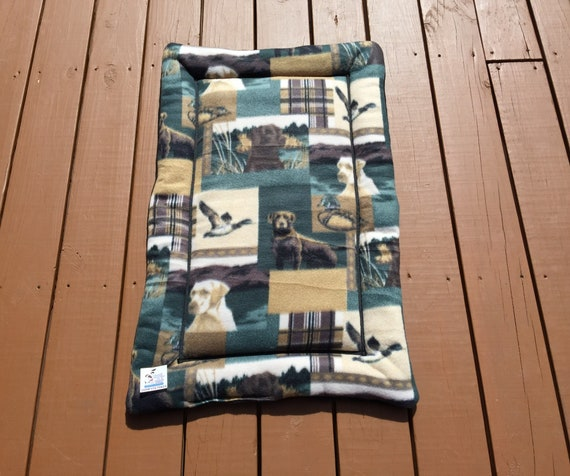 Hunting Dog Bed, Kennel Liner, Dog Crate Pad, Medium Dog Bed, Labrador Fabric, Hunting Decor, Crate Mat, Mallard Ducks, Fits 24x36 Crate