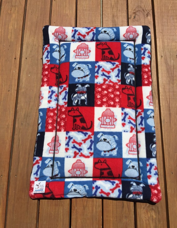 Patriotic Dog Bed, Kennel Mat, Medium Pet Bedding, Travel Crate Pad, Dog Mom Gift, Big Puppy Bedding, Fits 24x36 Crate