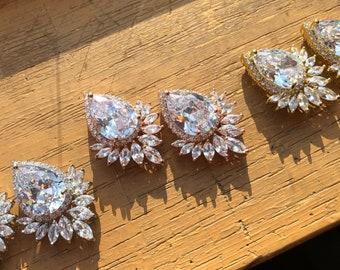 3/4 5/8 9/16 1/2 7/16 00g 0g 2g 4g 6g 8g 10g 12g 1 PAIR Gold Rose Gold Silver Cubic Zirconia Plugs Gauges Tunnels Wedding