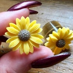 5/8 9/16 1/2 00g 0g 2g 4g 6g 8g 10g 12g 22mm Sunflower Plugs or Earrings Wedding Plugs Bridal Jewelry Bridesmaids Formal Wear or Prom