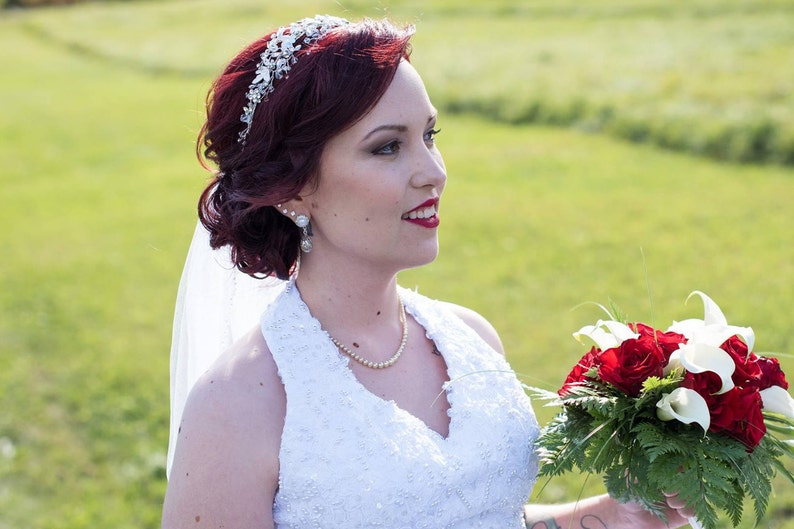 716 00g 0g 2g 4g 6g 8g 10g 12g 1 PAIR White Pearl Dangle Plugs Gauges Tunnels or Studs Silver Filigree Drop Bridal Wedding Plugs Gauges