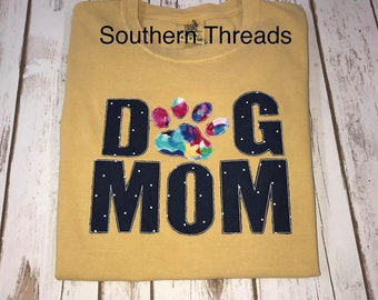 4d49fc23 Personalized Dog Mom Tee. SouthernThreadsmonog