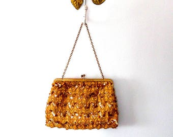 Gold sparkling sequin evening bag / gold trim / vintage / 1950s / gold tone / chain strap / clasp purse / satin lined / small evening bag