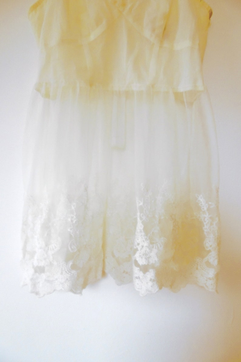 754c6bd3117966 Cream floral lace camisole top floral embroidered vintage