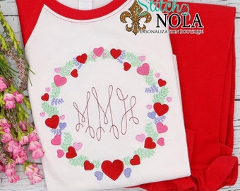 Heart Wreath Monogram Top And Bottom Set, Valentine's Day Outfit, Heart Embroidery, Girls Valentine's Day Outfit, Monogram Embroidery